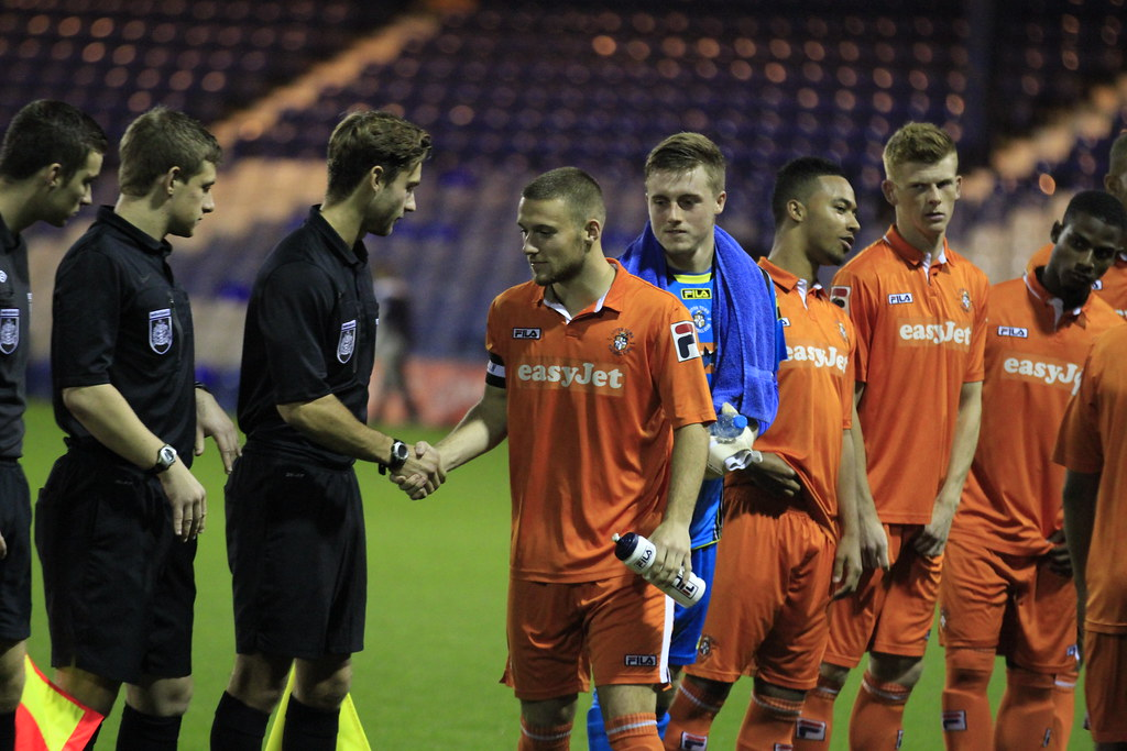 Luton Town v Leighton Town Youth FA Cup