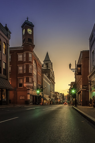 trafficlights architecture night sunrise dawn virginia downtown cityscape bluesky clocktower clear staunton goldenlight historicbuildings