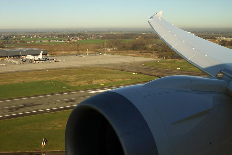 Boeing 787-8 Dreamliner – Jetairfly (TUI Airlines Belgium) – OO-JDL – Liege (Bierset) (LGG EBLG) – 2013 12 10 – Inflight – 01 – Copyright © 2013 Ivan Coninx Photography