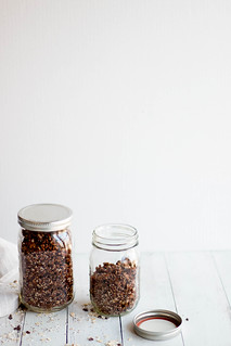 chocolate coconut granola // hemp seeds + quinoa | by heatherpoire