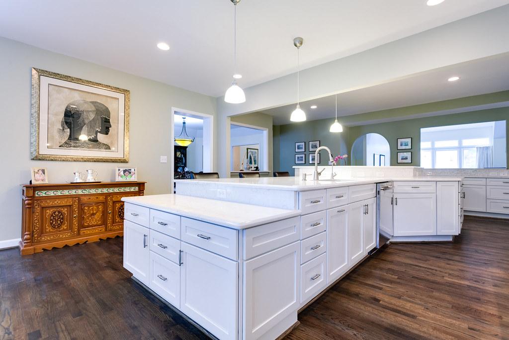 Gorgeous Kitchen Renovation In Potomac Maryland: Potomac MD Traditional Kitchen 10