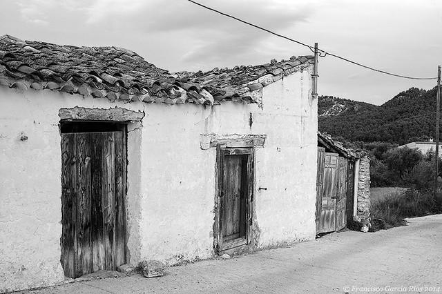 Puertas de Jartos (Yeste) en blanco y negro./Jartos Doors (Yeste, Albacete, Spain) in Black and White.