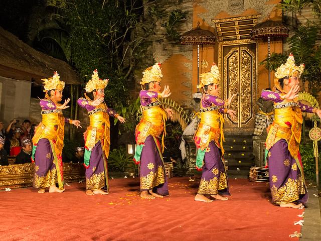 Balinese dance legong, Ubud Palace, 2013