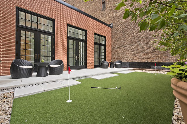 The Whitman NYC - Putting Green
