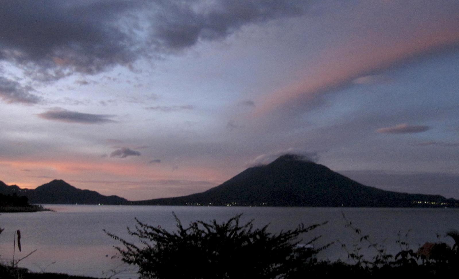 Lago Atitlan 04