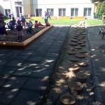 Tvorba školských a škôlkárskych záhrad a ihrísk z prírodných materiálov je náš obľúbený program :-)