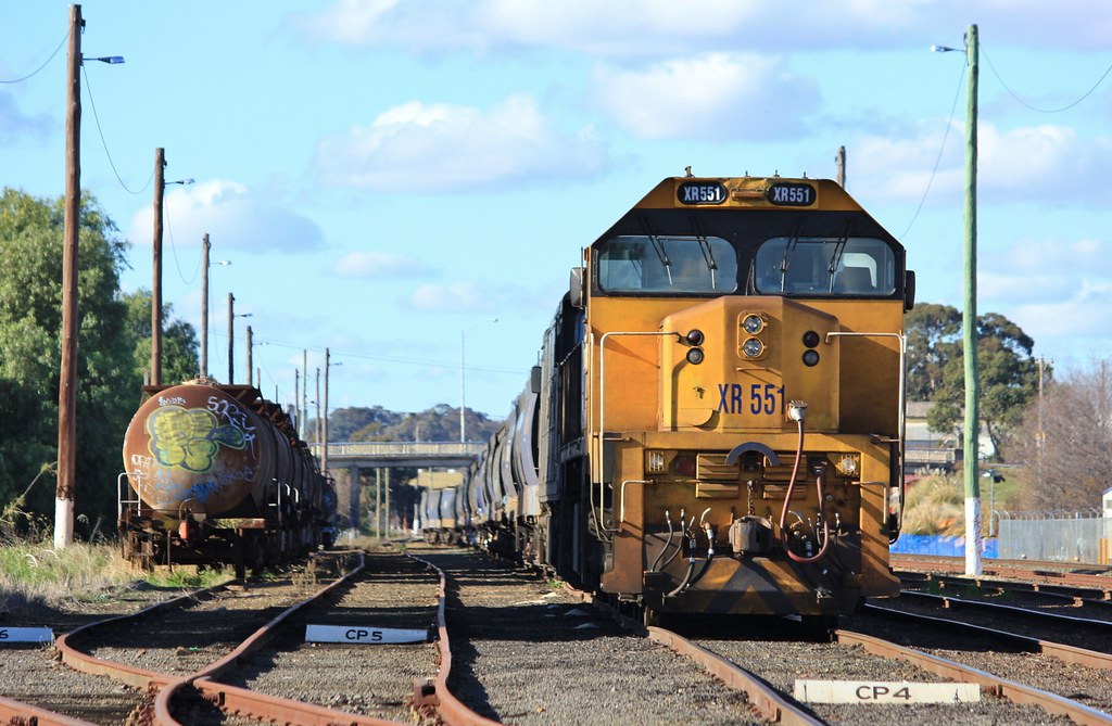 XR551 and G524 are stabled in Bendigo yard with 9028 grain from the North by bukk05