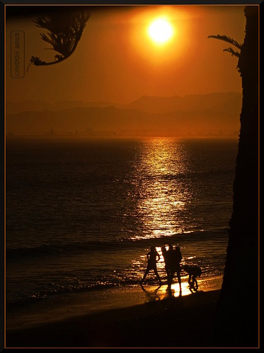 sunset newzealand people beach nature twilight lowlight fuji gimp pacificocean coastal gisborne eastcape 2013 xs1 fujifilmxs1