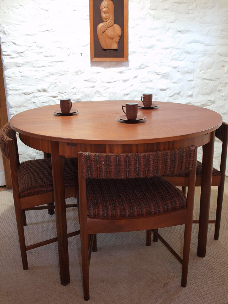 Extending Mcintosh Dining Table Size 115 Diameter X