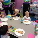 Abigail, Jackson, Ricky, and Juliet eating