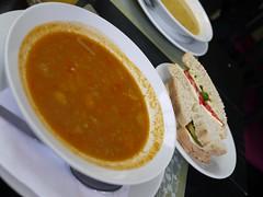 日, 2013-08-18 14:18 - 野菜スープとサンドイッチ