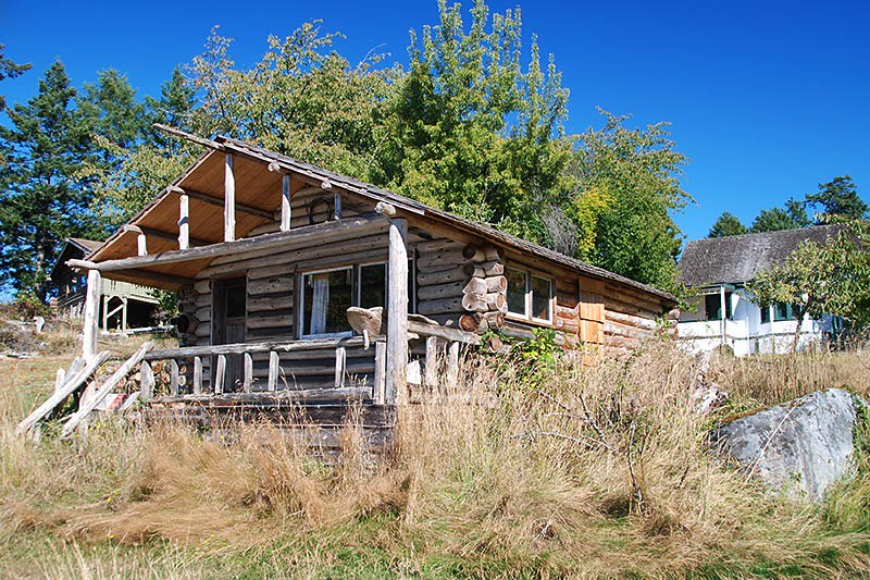 Restored Cabin at Roesland Museum, Roesland, North Pender Island, Gulf Islands National Park, British Columbia, Canada