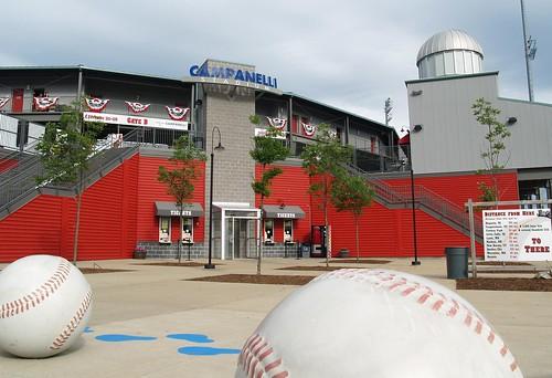 summer sports ma baseball stadium massachusetts familyfun collegiate brockton
