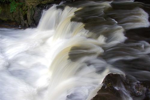 waterfall sideview corbettsglen fullflow