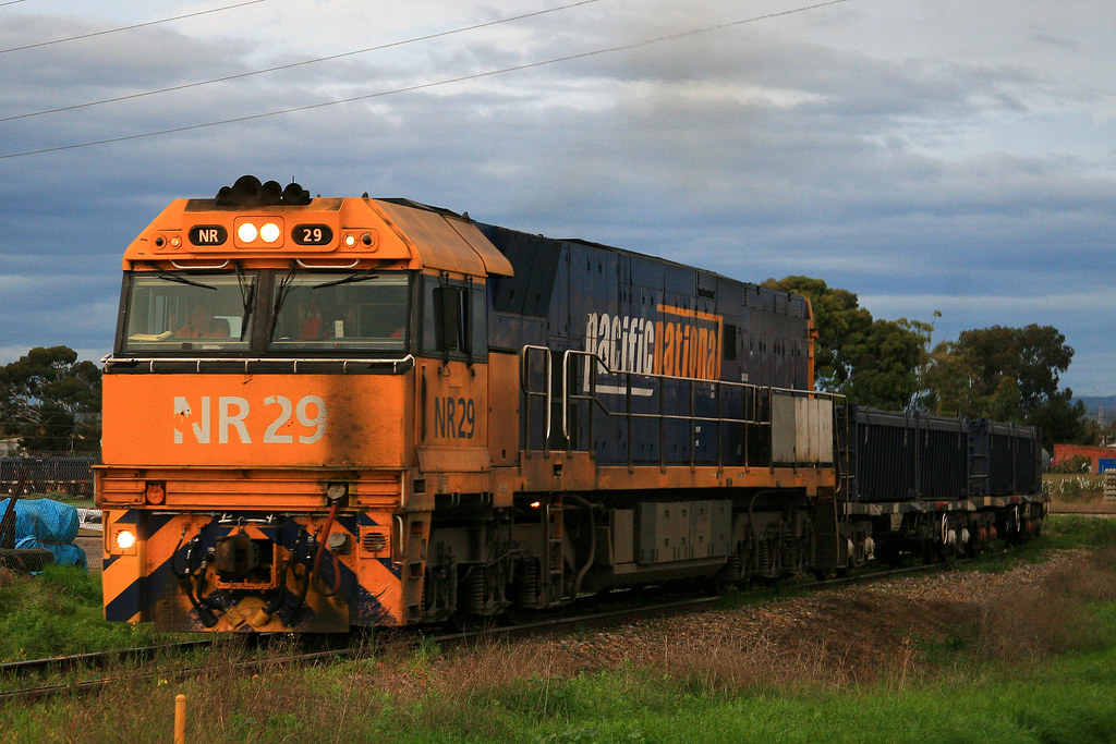 5162 NR29 by Trackside Photography Australia