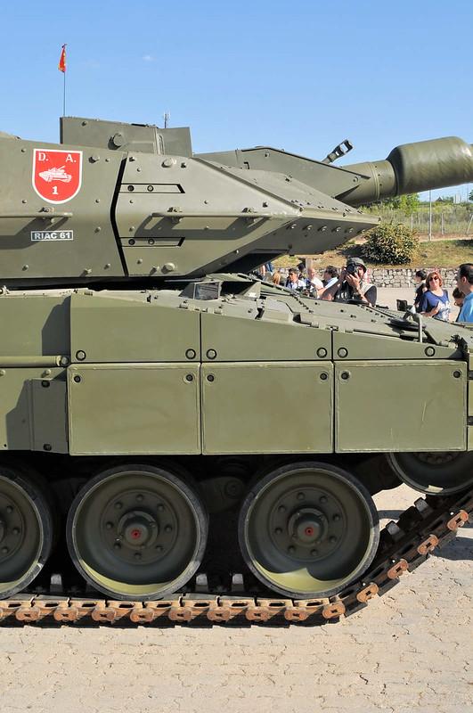 Leopard 2E (6)