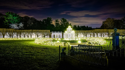 Longwood at Christmas: Fountain of Light | by Entropic Remnants