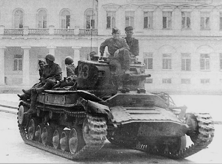 """Tank """"Valentine IV"""" 3. hviderussiske Front"""