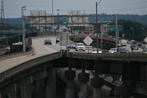 I-64 to Poplar Street Bridge   by pasa47