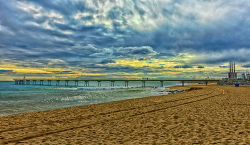 barcelona bridge costa beach clouds puerto puente mar sony playa catalunya cataluña badalona carlzeiss 2470mm pontdelpetroli carlzeisssonnart sal2470z puentedelpetroleo 2470mmf28zassm slta99v