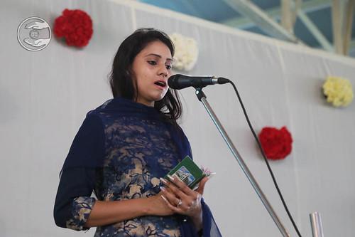 Devotional song by Namrata Arora from Hardev Nagar, Delhi