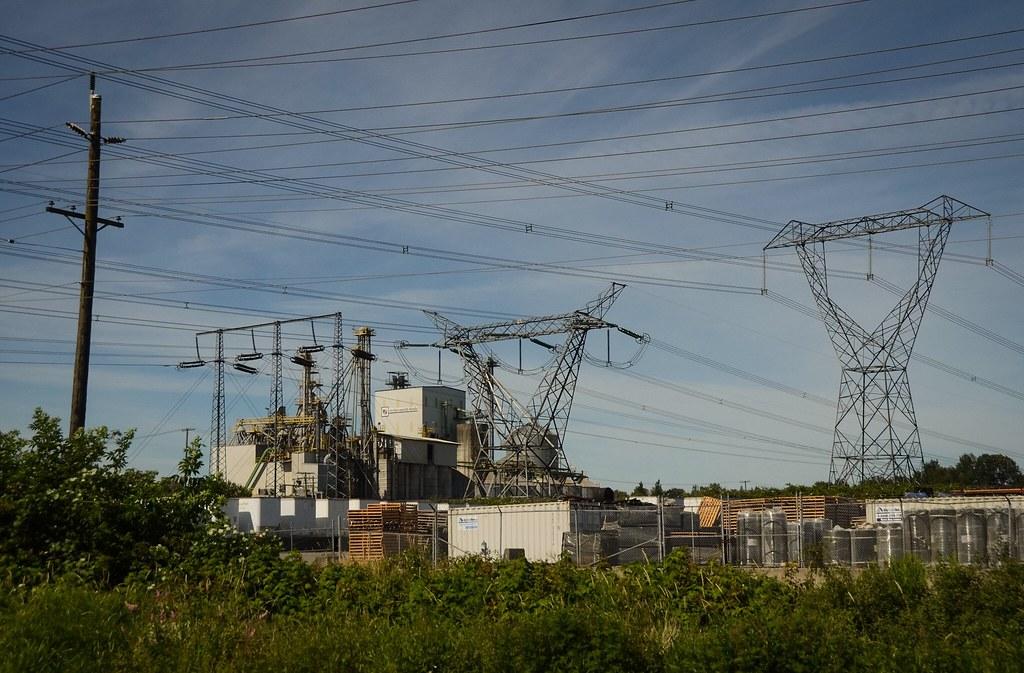 BC Hydro Transmission and Distribution Lines   Ian Threlkeld