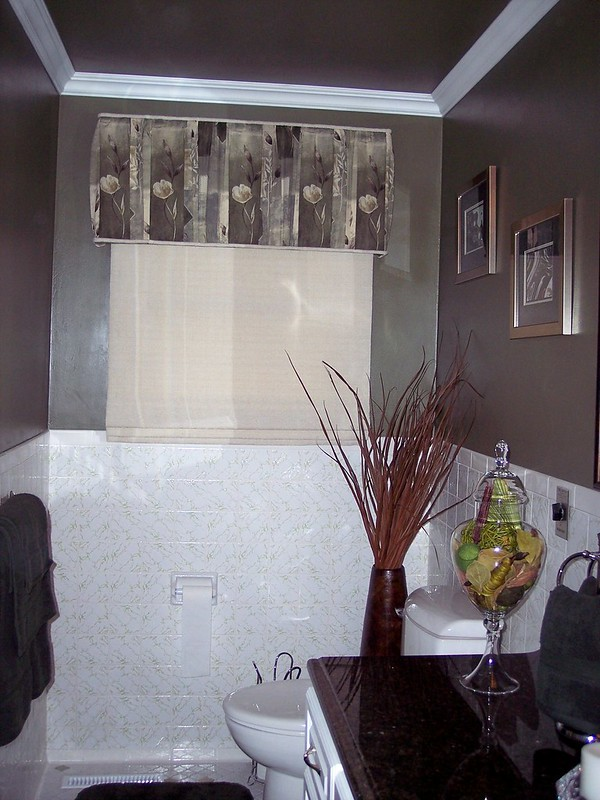 Upholstered Cornice & Flat Roman Shade