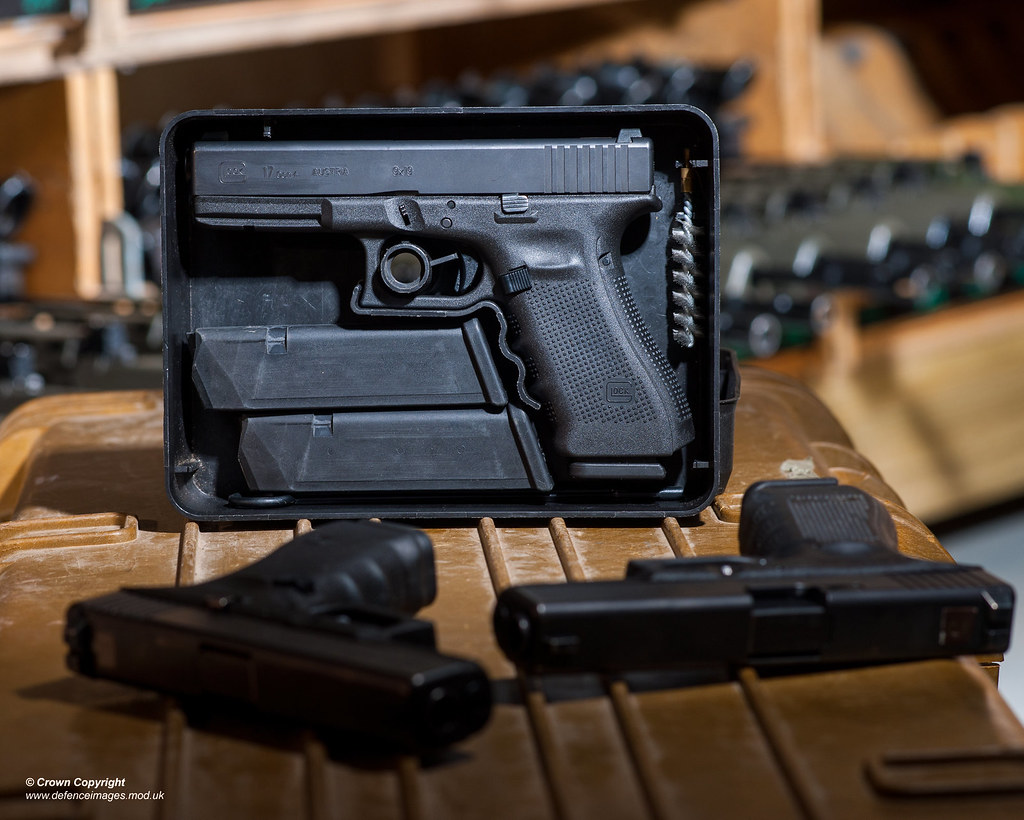Glock 17 Gen 4 L131a1 9mm Pistol Pictured In An Armoury Flickr