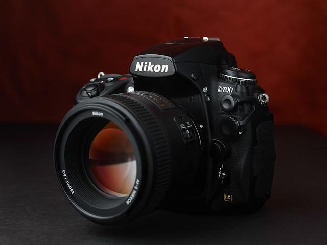 Nikon D700 + 85mm 1.8G