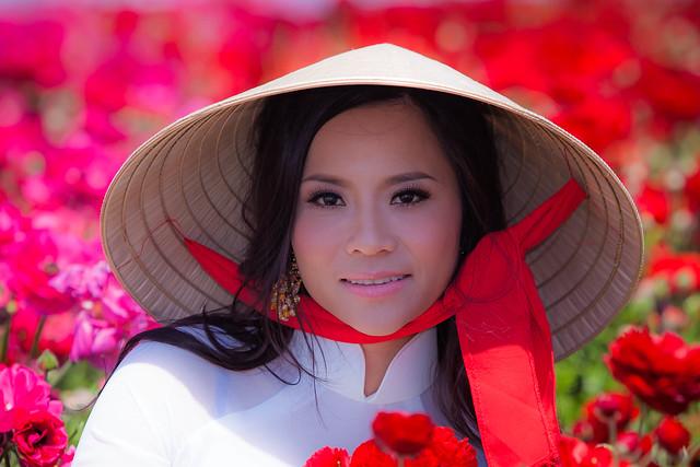 Conical Hat  -  Nón Lá Vietnam