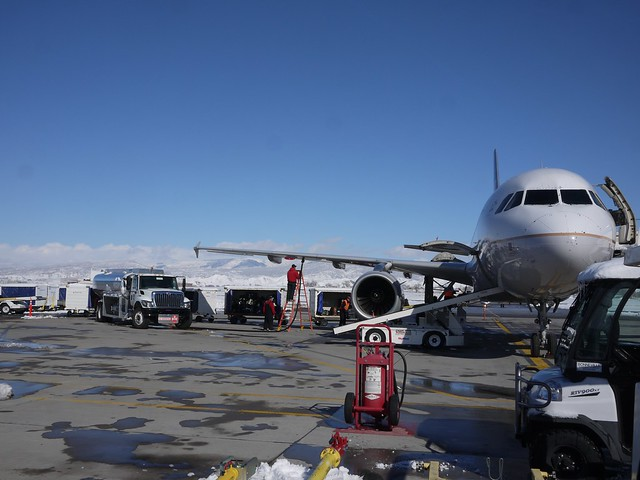 土, 2014-02-01 13:19 - Montrose Airport