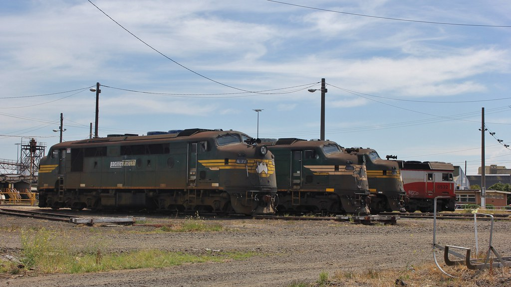 A77 A85 A73 and G532 sit stored around the Dynon turntabled by bukk05