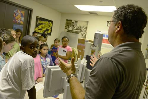 Students Tour the Sciences