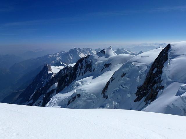 la Vallée de Chamonix, l'Aiguille du Midi, le Tacul ...