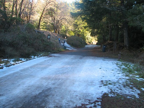 winter snow ice parcourse brooktrails