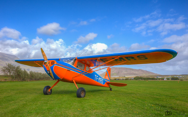 Airplane - Cessna 140 - Iceland