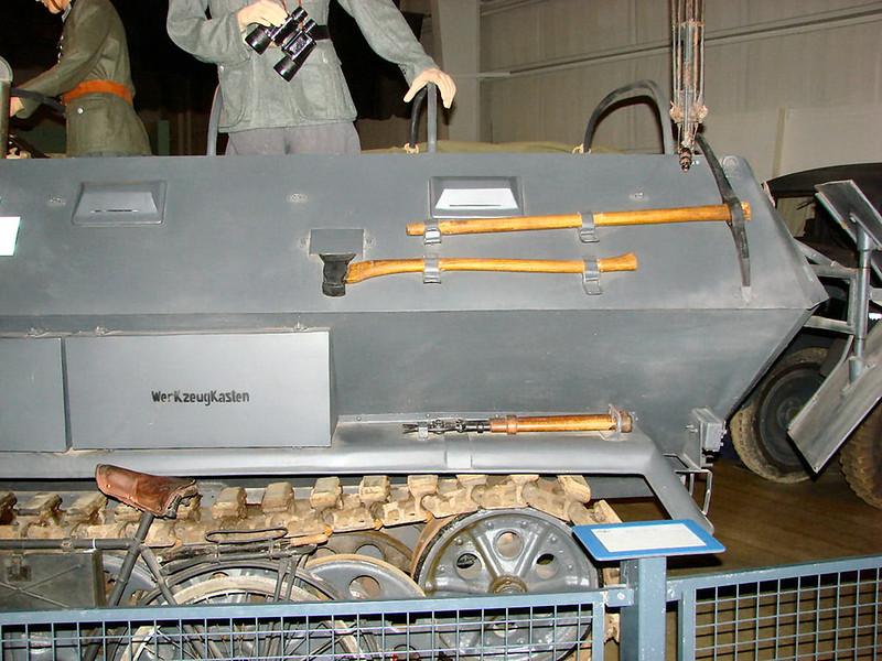 SdKfz 251-6 (6)