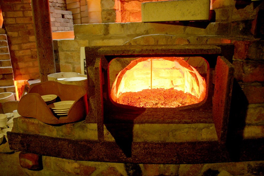 Furnace & kiln detail | The cutaway shows how the plates are… | Flickr