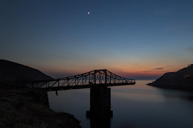 5 Islands: Serifos – Old loading bridge