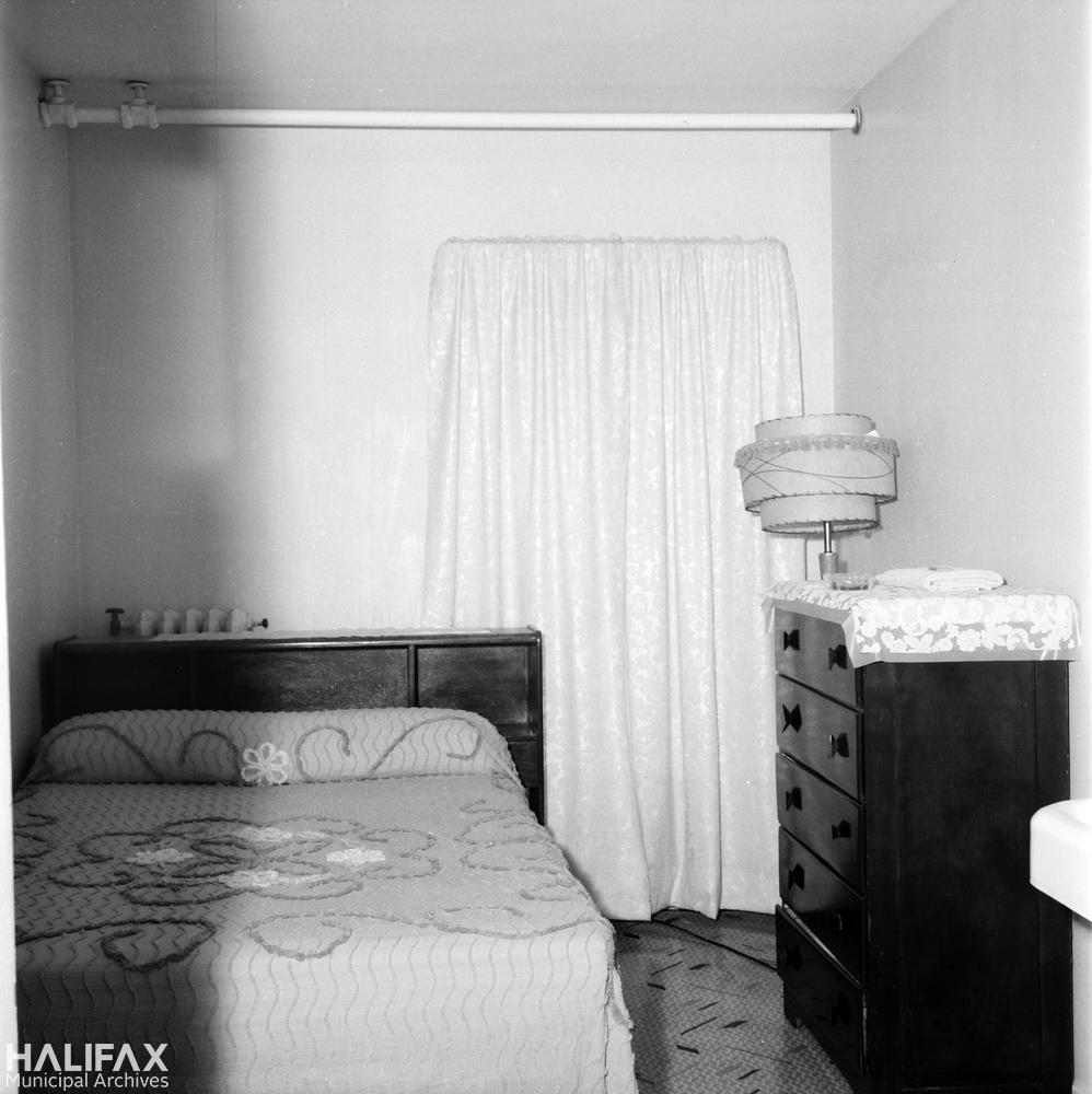 1888 Barrington St., Hotel Central