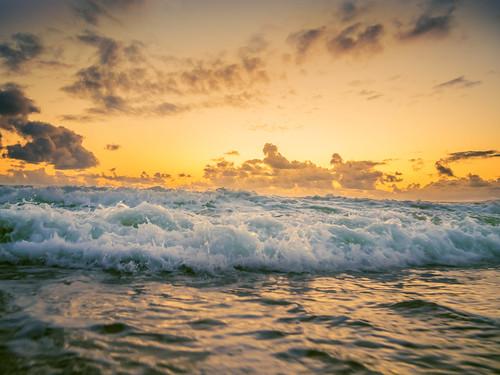 ocean california sunset beach waves cloudy olympus sunsetbeach huntingtonbeach hb m43 meeyak epl5