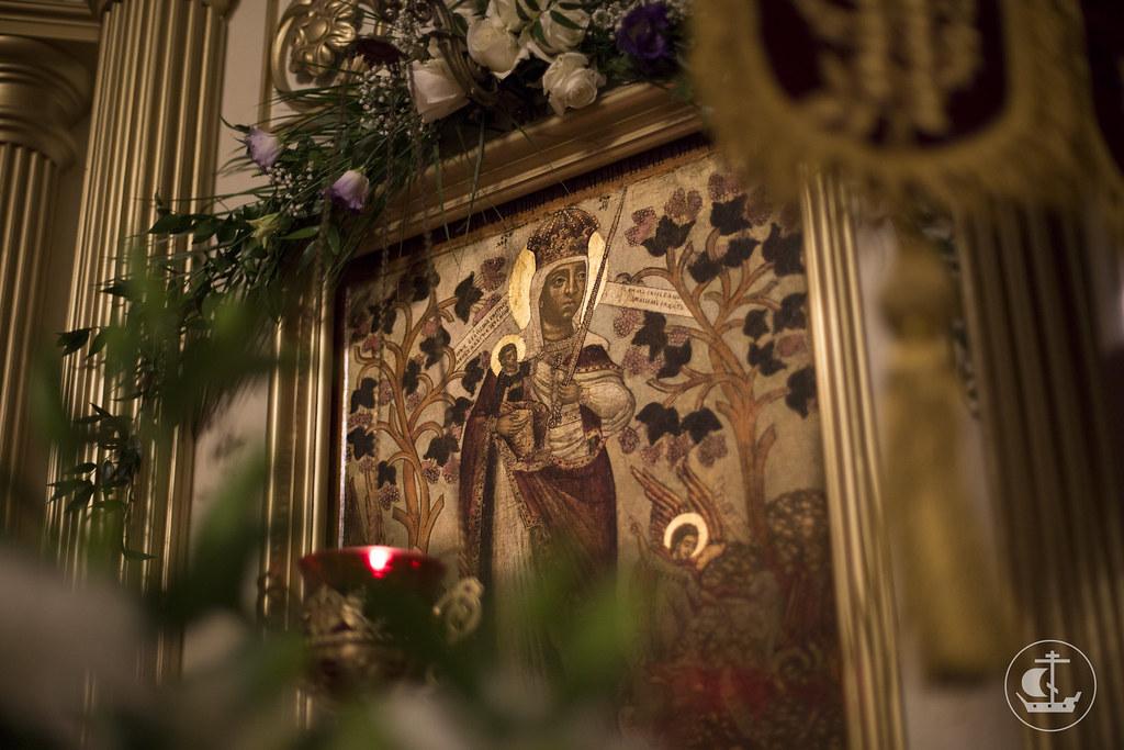 6 ноября 2013, Литургия в день празднования иконы Пресвятой Богородицы «Всех скорбящих Радость»