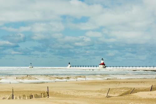 lighthouse michigan stjoseph stjosephlighthouse beach frozen winter icescape herowinner instagram ff