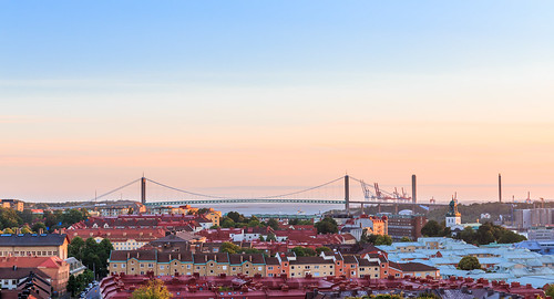 city bridge sunset summer vacation panorama sun building water beautiful sunshine arquitetura architecture canon wow göteborg golden photo cool arquitectura opera colorful aqua day view suspension sweden good pano horizon schweden gothenburg edificio picture pic swedish aerial älv clear hour sverige viewpoint utsikt vatten suede edit suecia hav sommar arkitektur lightroom 6d solnedgång majorna 2470 operan älvsborgsbron göta img3808 älvsborg mariaglobetrotter