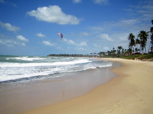 Kitesurf in the ocean - Puerto de Galinhas, Brazil