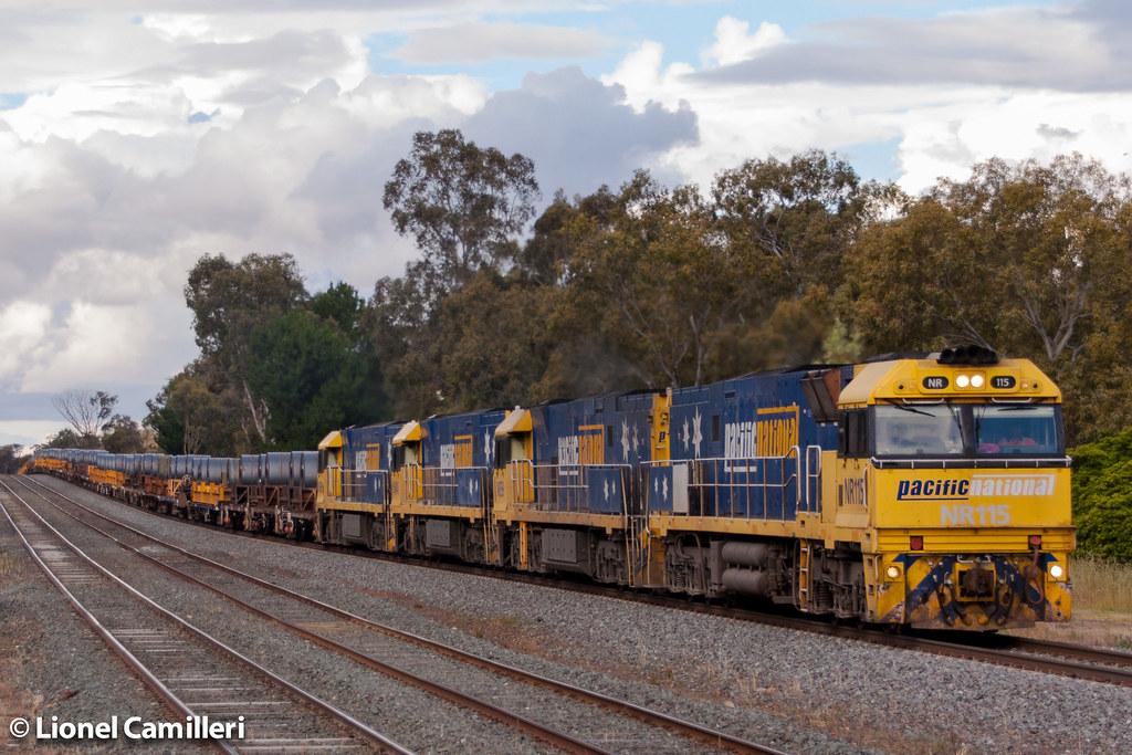 6WM2 at Tallarook by LC501