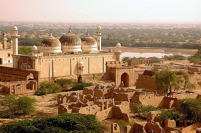 Fort Drewar Mosque