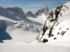 Pure-ski-company-helicopter-service-Groenland-heliskiing-040