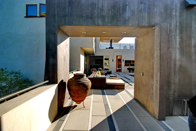 4625 Dundee Drive, Arxis Studio; James Lord and Roderick Wyllie, Landscape Architects c.2003