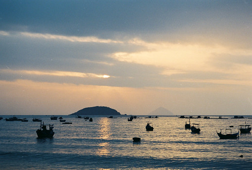 ocean sea film clouds analog sunrise 35mm landscape boats photography dawn analogue nikonfm fujiproplus200